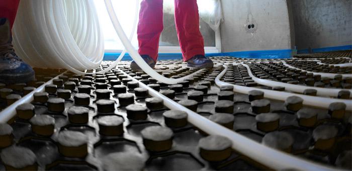 Herzitalia.it | Fasi operative della posa corretta di un impianto radiante a pavimento